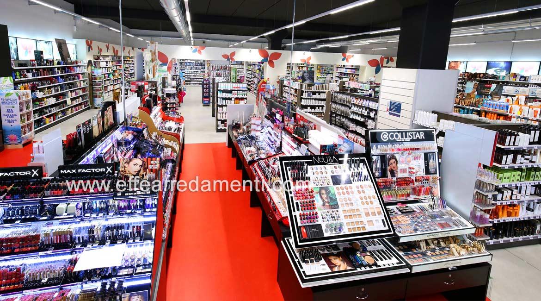 Arredamento per grande negozio a Verona, zona Make up