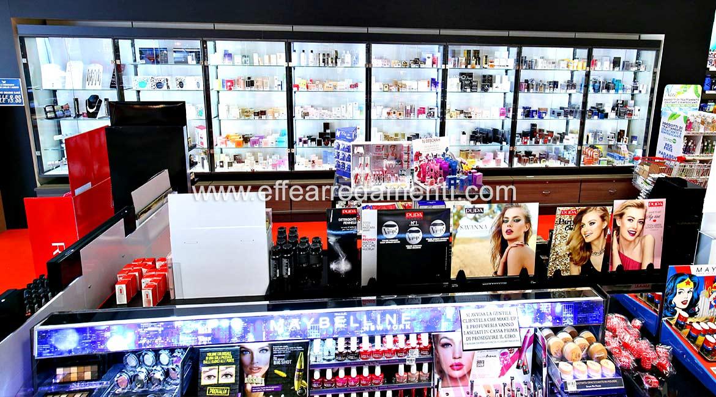 Arredamenti composti da vetrine per profumi, Verona