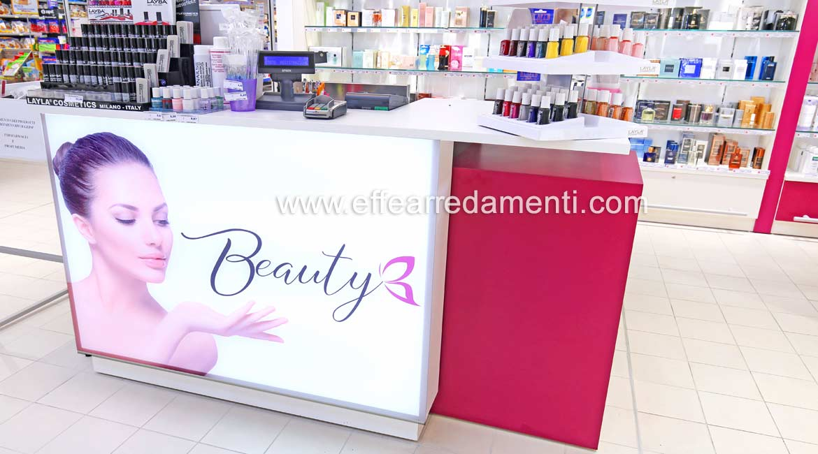 Beauty workbench with bright printed face