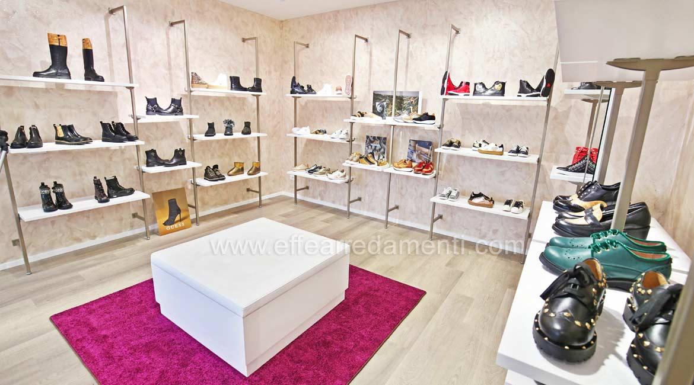 鞋店装饰,在巴斯蒂亚温布拉实现
