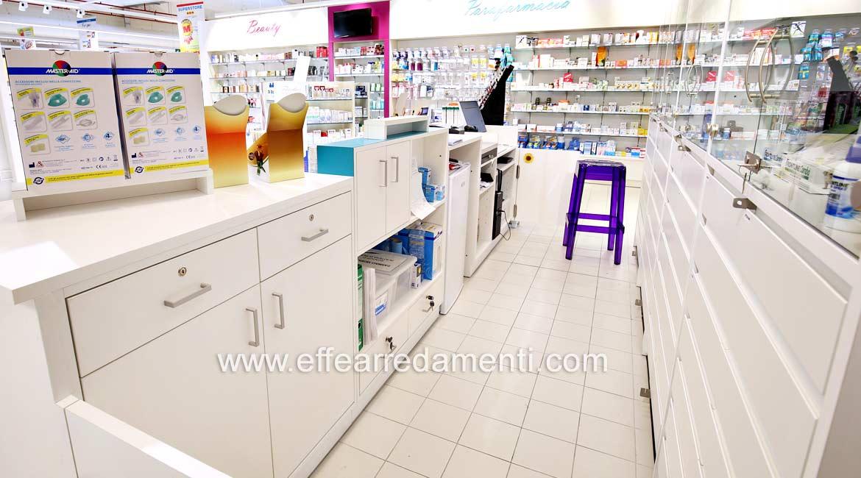 Banco per Farmacie o Parafarmacie, assortimento interno.
