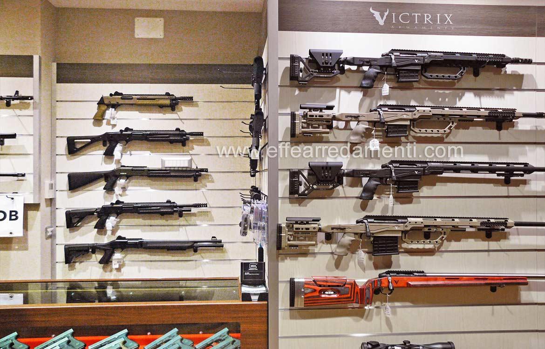 Meubles Exposure Armes Fusils de chasse kalashnikov