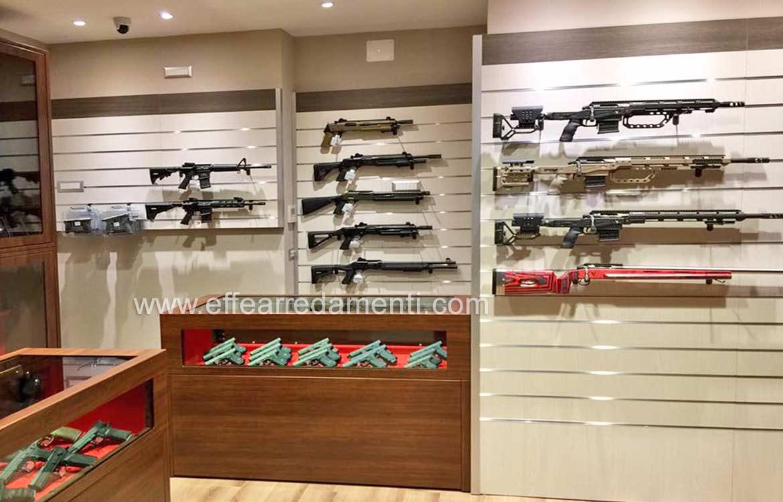Arredamenti per negozi a genova armeria effe arredamenti for Arredamento negozi genova