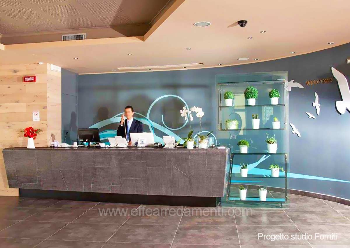 Arredamenti Banchi Reception Per Hotel Tiber