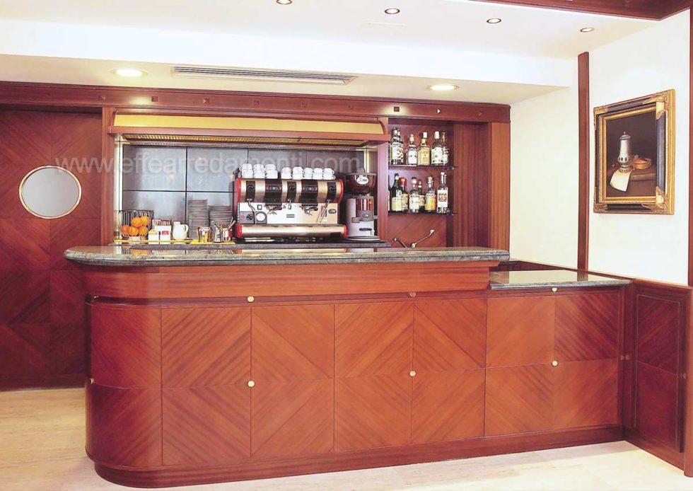 Bancone Bar Hotel Realizzato Rimini