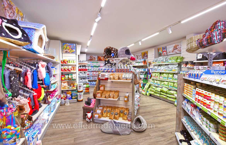 Arredamenti negozio petshop Gubbio