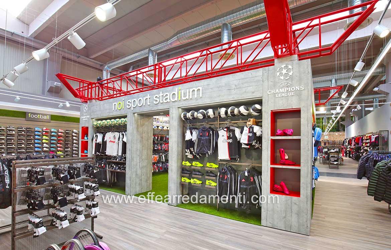 Arredo con ricostruzione stadio San Siro negozio sport
