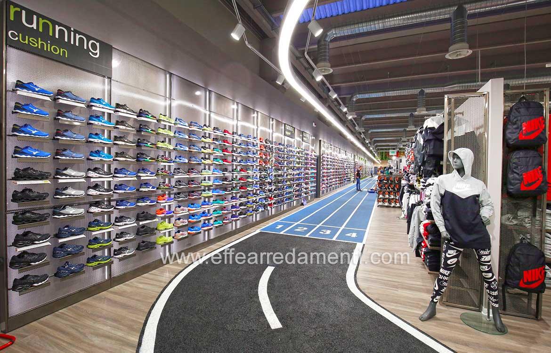 Riproduzione pista atletica per negozio sportivo