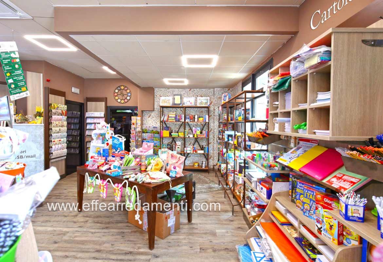 Arredamento Cartoleria, Libreria e articoli da regalo, Voghera, Ferrara