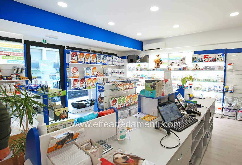 Allestimento Farmacia Veterinaria San Marino