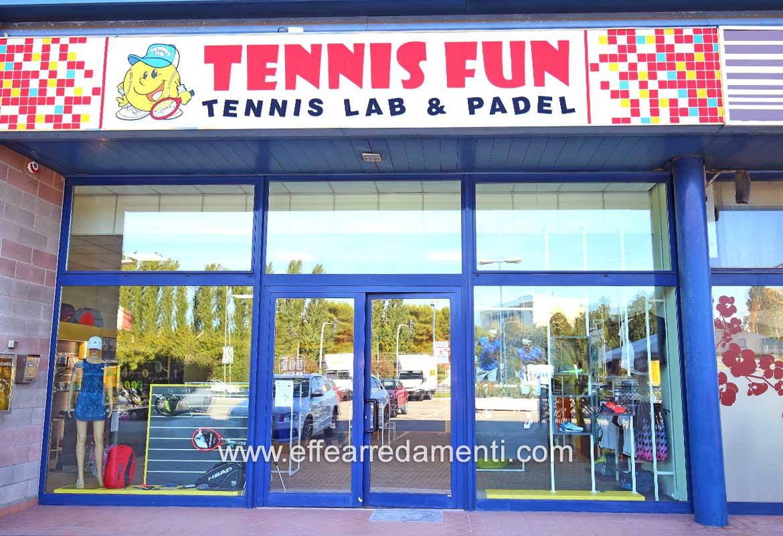 Allestimento Negozio Tennis Padel Rimini